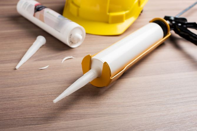 3 Important Functions of High-Quality Caulking in Commercial Painting